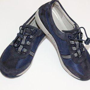 Dansko NWT Navy Blue Suede Trim Sneakers Size 6